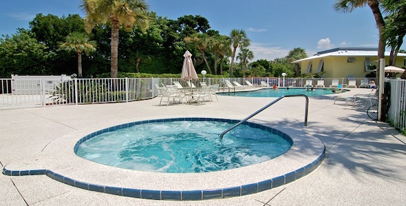 Beach Castle Is A Inium Community Located On Longboat Key Barrier Island Off The Coast Of Sarasota Florida Developed In 1970